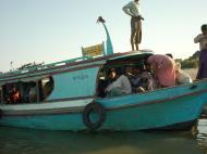 Asisbiz Mandalay to Mingun and back along Ayeyarwaddy river Dec 2000 25