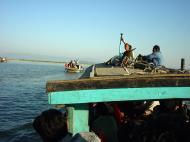 Asisbiz Mandalay to Mingun and back along Ayeyarwaddy river Dec 2000 30