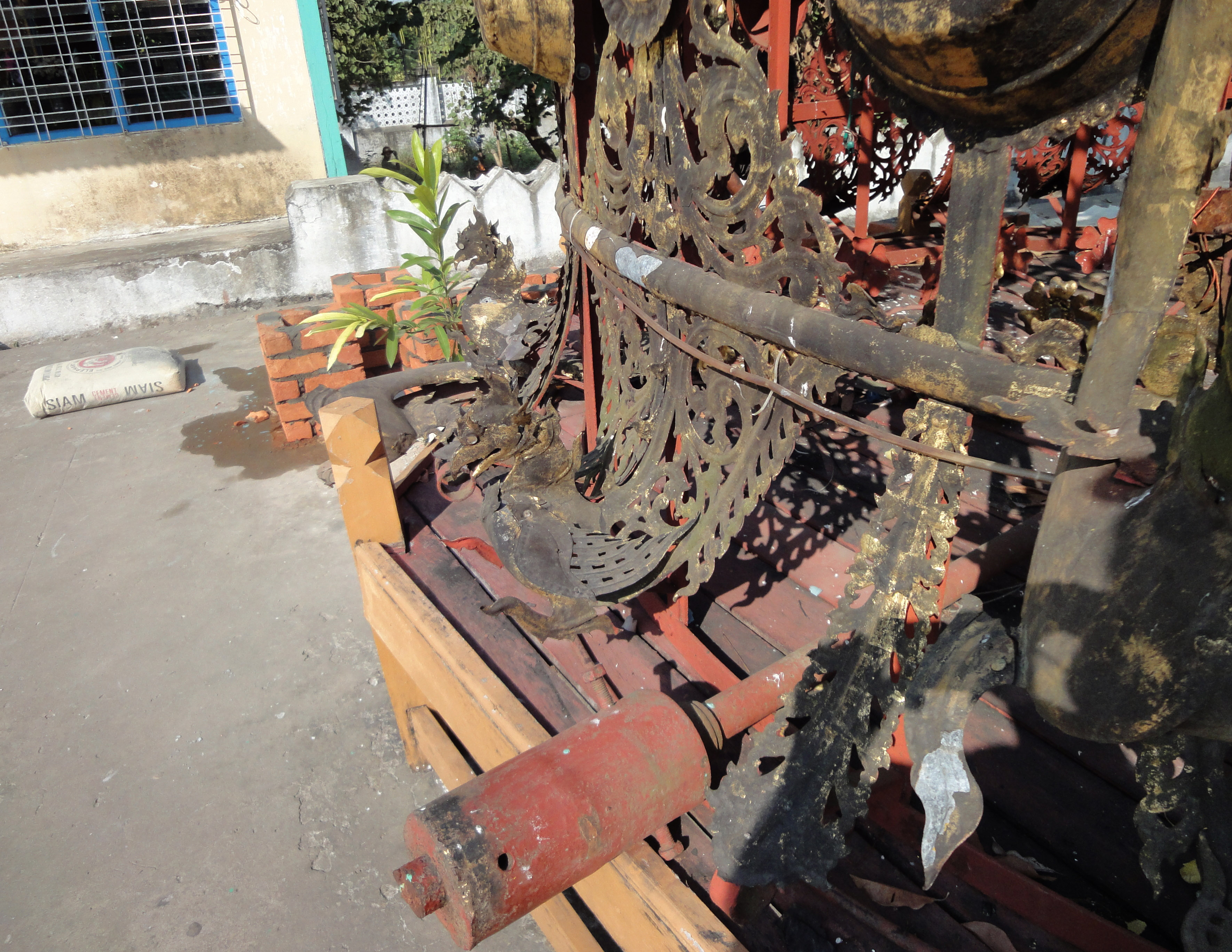 Kyaik Ka San Pagoda stupa crown design features South Oak ka lar 2009 03