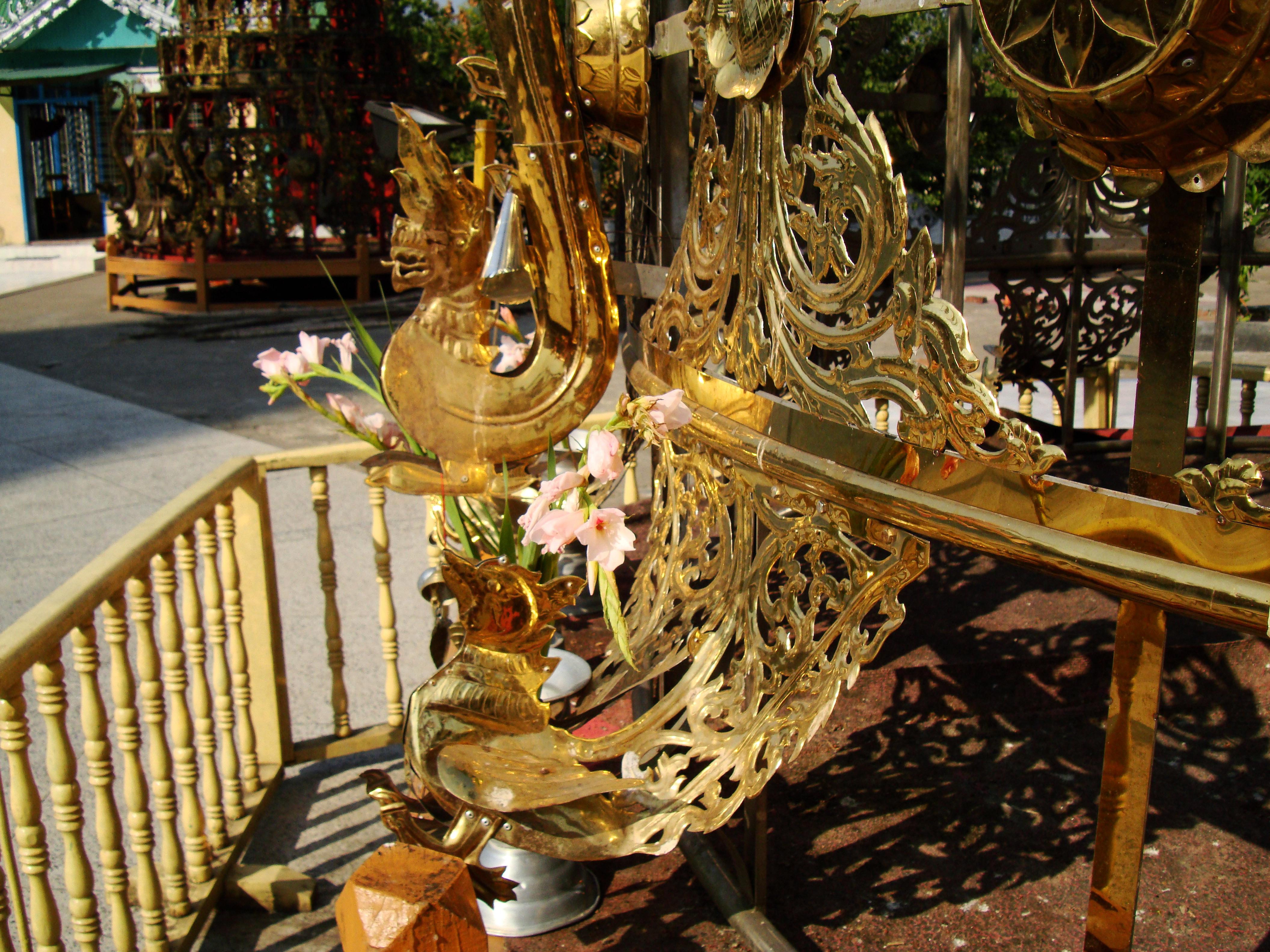 Kyaik Ka San Pagoda stupa crown design features South Oak ka lar 2009 08