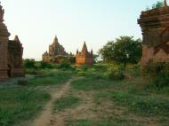 Asisbiz Bagan Payathonzu panoramic surrounds Nov 2004 13