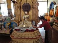 Asisbiz Shwebonpwint pagoda Buddha images Pazundaung Township 2010 02