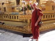 Asisbiz Shwebonpwint pagoda Friday born corner Pazundaung Township 2010 01