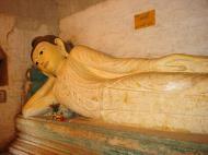 Asisbiz Pyin Oo Lwin main monastery Buddhas Dec 2000 01
