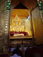 Asisbiz Pyin Oo Lwin main monastery Buddhas Dec 2000 03