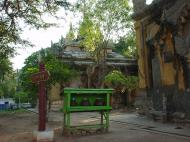 Asisbiz Pyin Oo Lwin main monastery Dec 2000 02