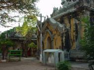 Asisbiz Pyin Oo Lwin main monastery Dec 2000 04