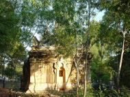 Asisbiz Pyin Oo Lwin main monastery Dec 2000 07