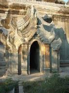 Asisbiz Pyin Oo Lwin main monastery Dec 2000 09