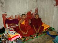 Asisbiz Pyin Oo Lwin monastery monks Dec 2000 02