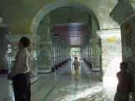 Asisbiz Pyin Oo Lwin various Buddhas Dec 2000 05