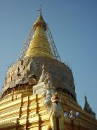 Asisbiz Pyin Oo Lwin various pagoda stupa Dec 2000 01