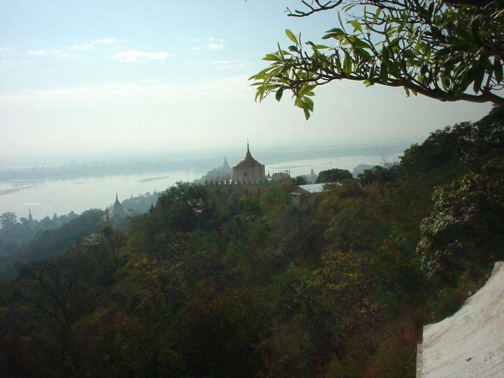 Ayeyarwady River from Sagaing Hill Dec 2000 03