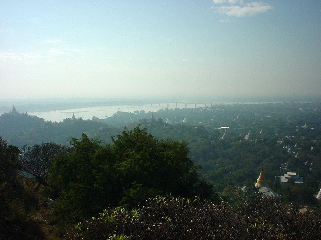 Ayeyarwady River from Sagaing Hill Dec 2000 04