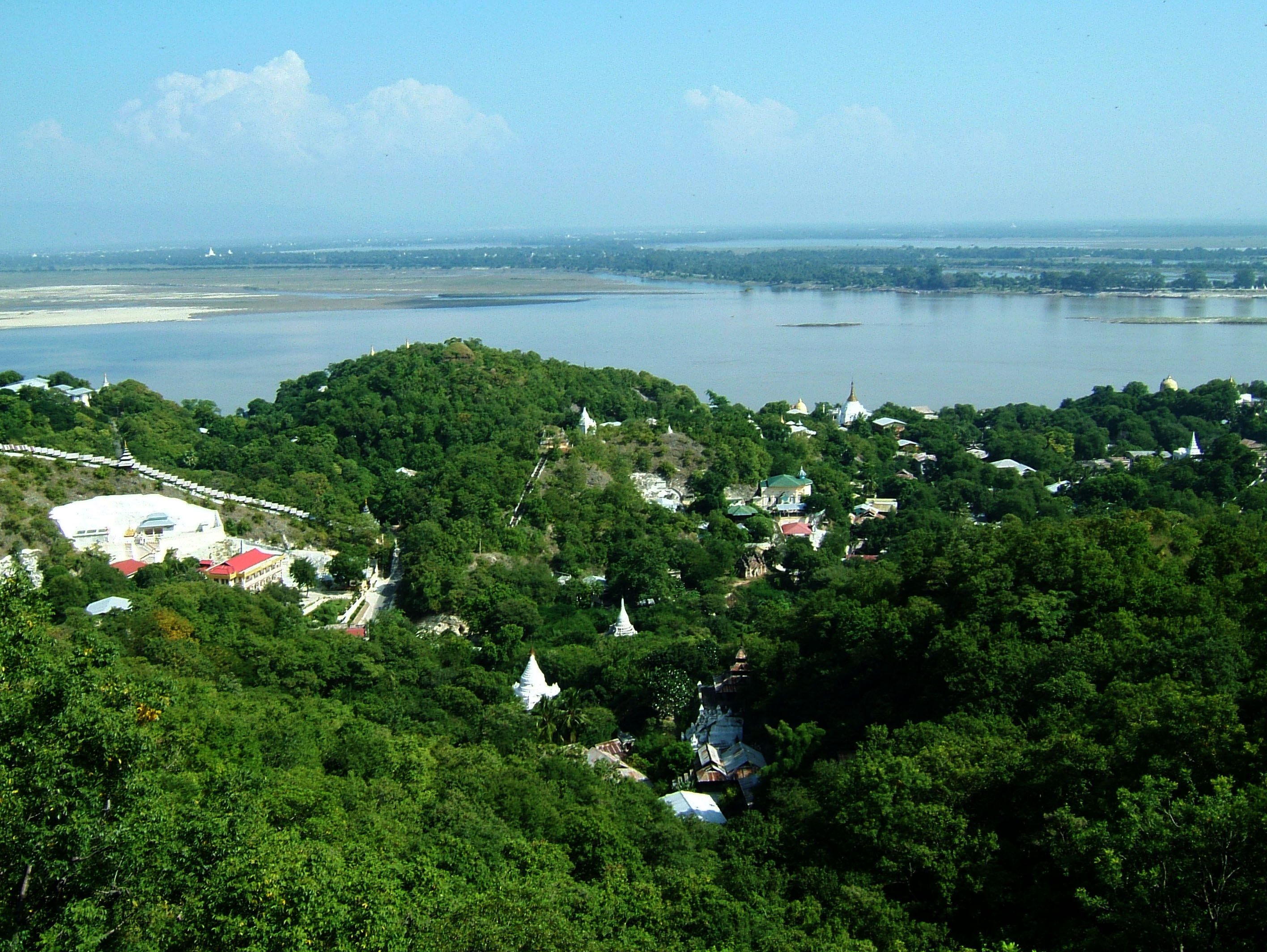 Ayeyarwady River from Sagaing Hill Nov 2004 03