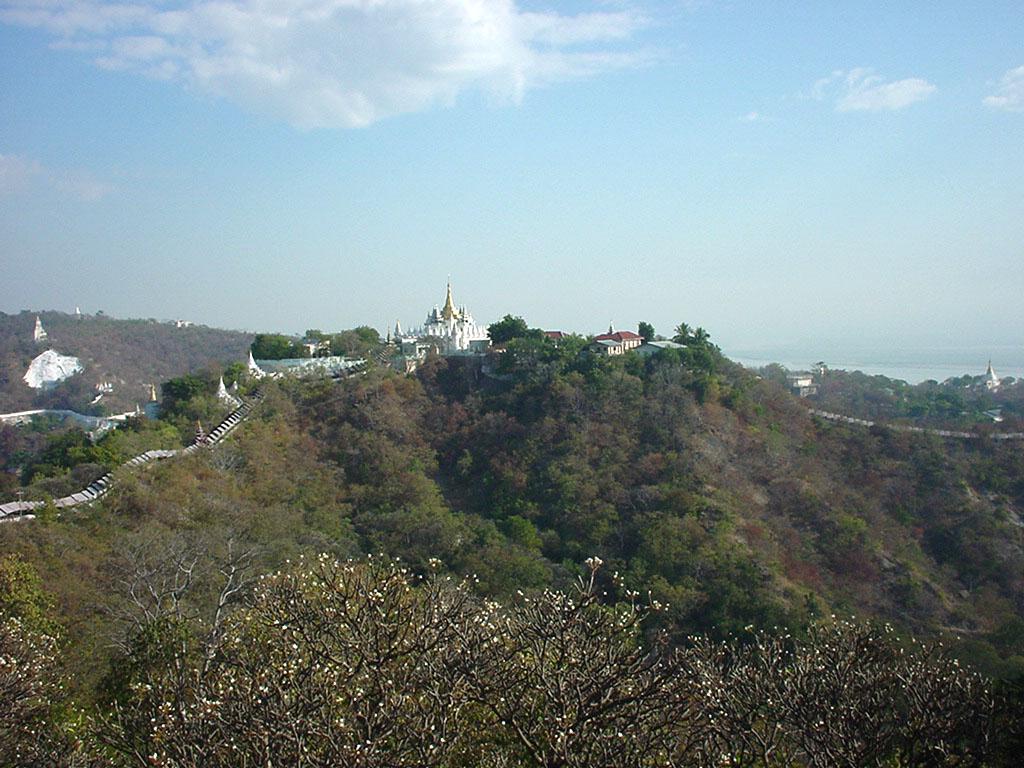 Sagaing Hill panoramic views Dec 2000 01