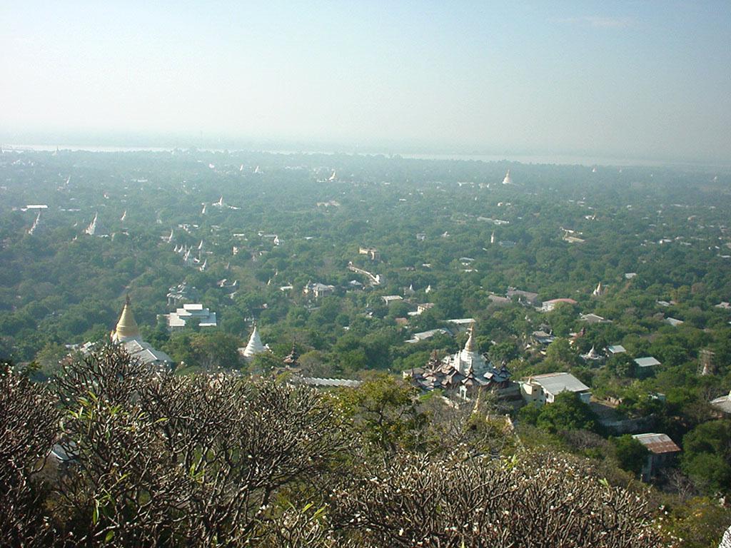 Sagaing U Min Thounzeh Pagoda panoramic views Dec 2000 01