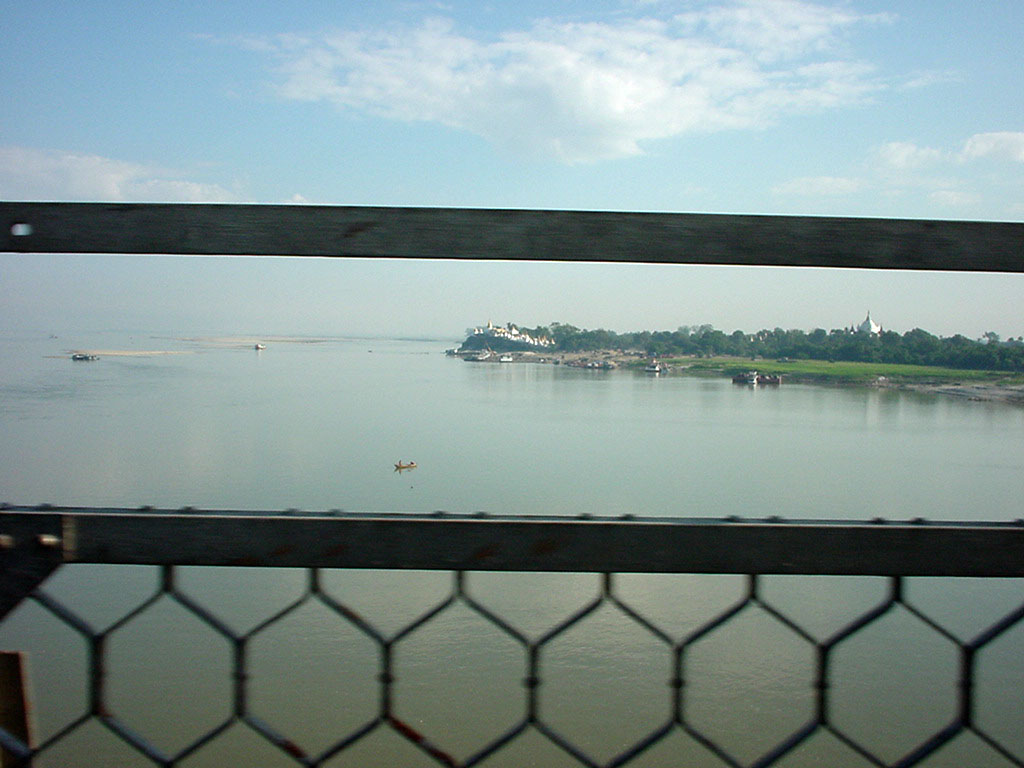 Sagaing bridge views Dec 2000 01