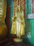 Asisbiz Sagaing Soon U Ponya Shin Pagoda Buddhas Dec 2000 03
