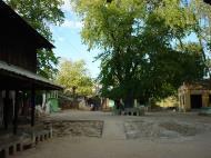 Asisbiz Monywa Shwe Ba Hill monastery grounds Dec 2000 05
