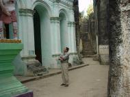 Asisbiz Monywa Shwe Ba Hill monastery grounds Dec 2000 10