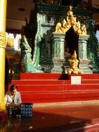 Asisbiz Myanmar Yangon Shwe dagon pagoda main patio Jan 2010 04