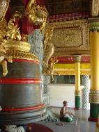 Asisbiz Myanmar Yangon Shwedagon Pagoda Bells Dec 2000 02