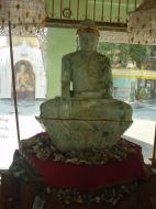 Asisbiz Myanmar Yangon Shwedagon Pagoda Buddhas Dec 2000 02