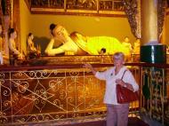 Asisbiz Myanmar Yangon Shwedagon Pagoda Buddhas Oct 2004 06