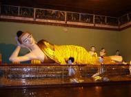 Asisbiz Myanmar Yangon Shwedagon Pagoda Buddhas Oct 2004 07