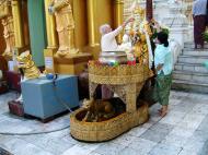 Asisbiz Myanmar Yangon Shwedagon Pagoda Monday Corner Oct 2004 02
