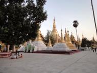 Asisbiz Myanmar Yangon Shwedagon Pagoda at twilight Dec 2009 09