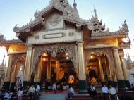 Asisbiz Myanmar Yangon Shwedagon Pagoda at twilight Dec 2009 14