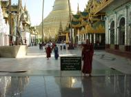 Asisbiz Myanmar Yangon Shwedagon Pagoda main Terrace Dec 2000 02