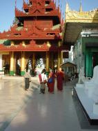 Asisbiz Myanmar Yangon Shwedagon Pagoda main Terrace Dec 2000 03