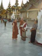 Asisbiz Myanmar Yangon Shwedagon Pagoda main Terrace Dec 2000 04