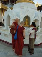Asisbiz Myanmar Yangon Shwedagon Pagoda main Terrace Dec 2000 07