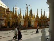 Asisbiz Myanmar Yangon Shwedagon Pagoda main Terrace Dec 2000 26