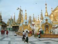 Asisbiz Myanmar Yangon Shwedagon Pagoda main Terrace July 2001 04