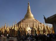 Asisbiz Myanmar Yangon Shwedagon Pagoda new year celibrations Jan 2010 03