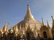 Asisbiz Myanmar Yangon Shwedagon Pagoda new year celibrations Jan 2010 04