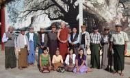Asisbiz Myanmar Yangon Shwedagon Pagoda new year celibrations with old friends 03