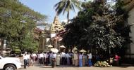 Asisbiz Myanmar Yangon Shwedagon entrance 01