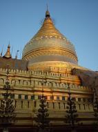Asisbiz Pagan Shwezigon Pagoda at dusk Dec 2000 01