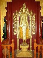 Asisbiz Pagan Shwezigon Pagoda main Buddhas Dec 2000 03