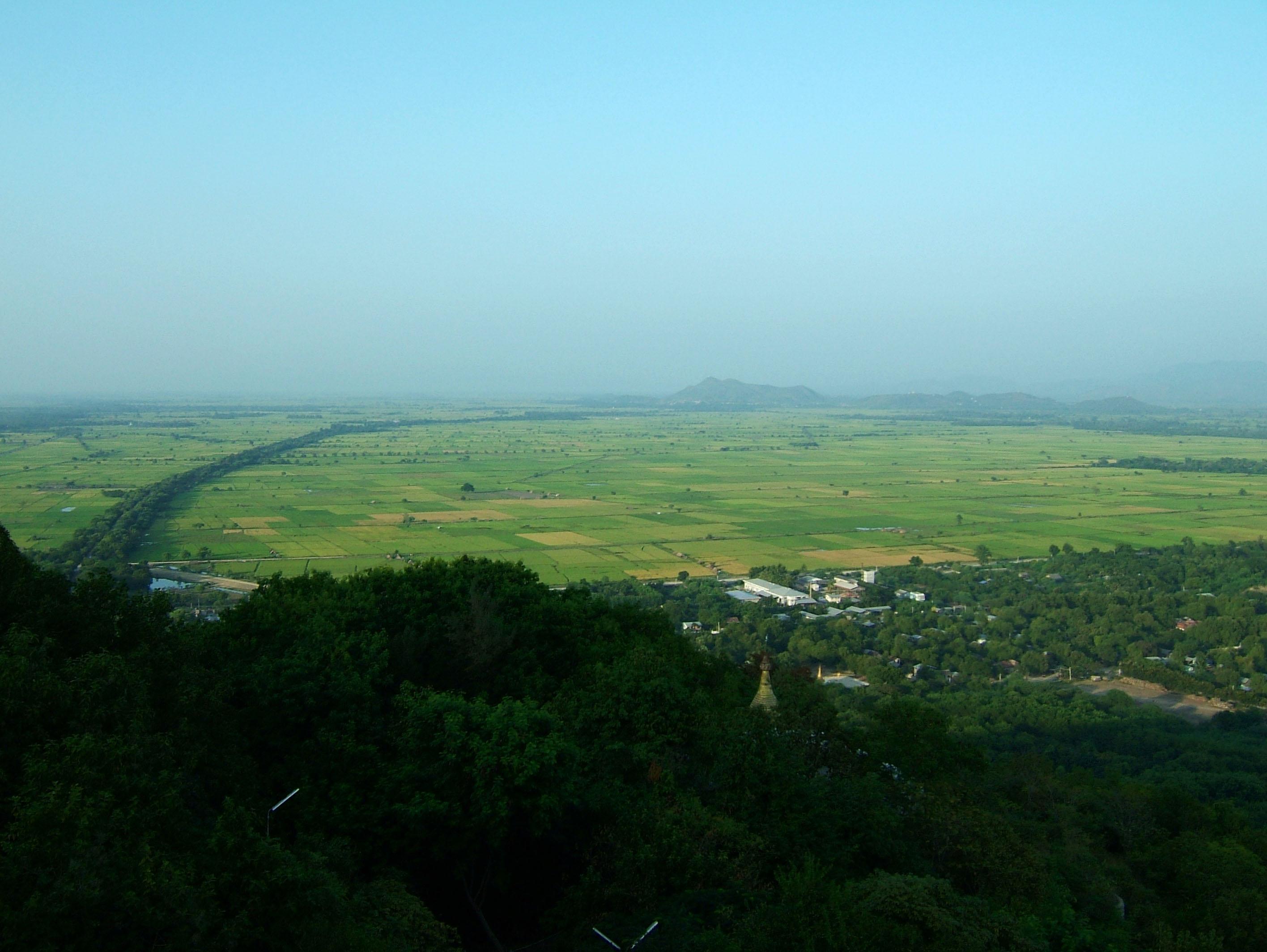 Mandalay Hill Sutaungpyei Pagoda panoramic views Dec 2000 07