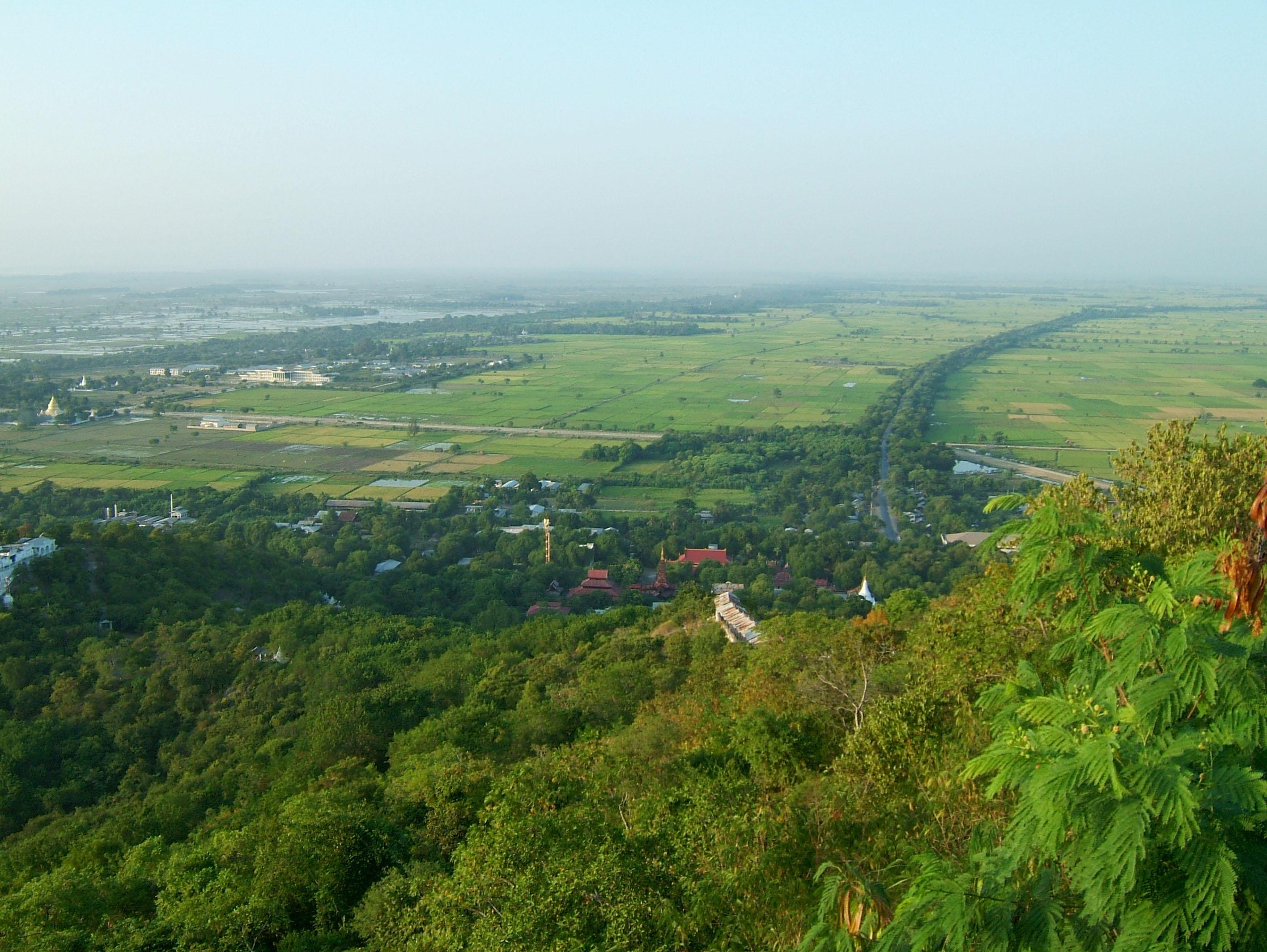 Mandalay Hill Sutaungpyei Pagoda panoramic views Dec 2000 26