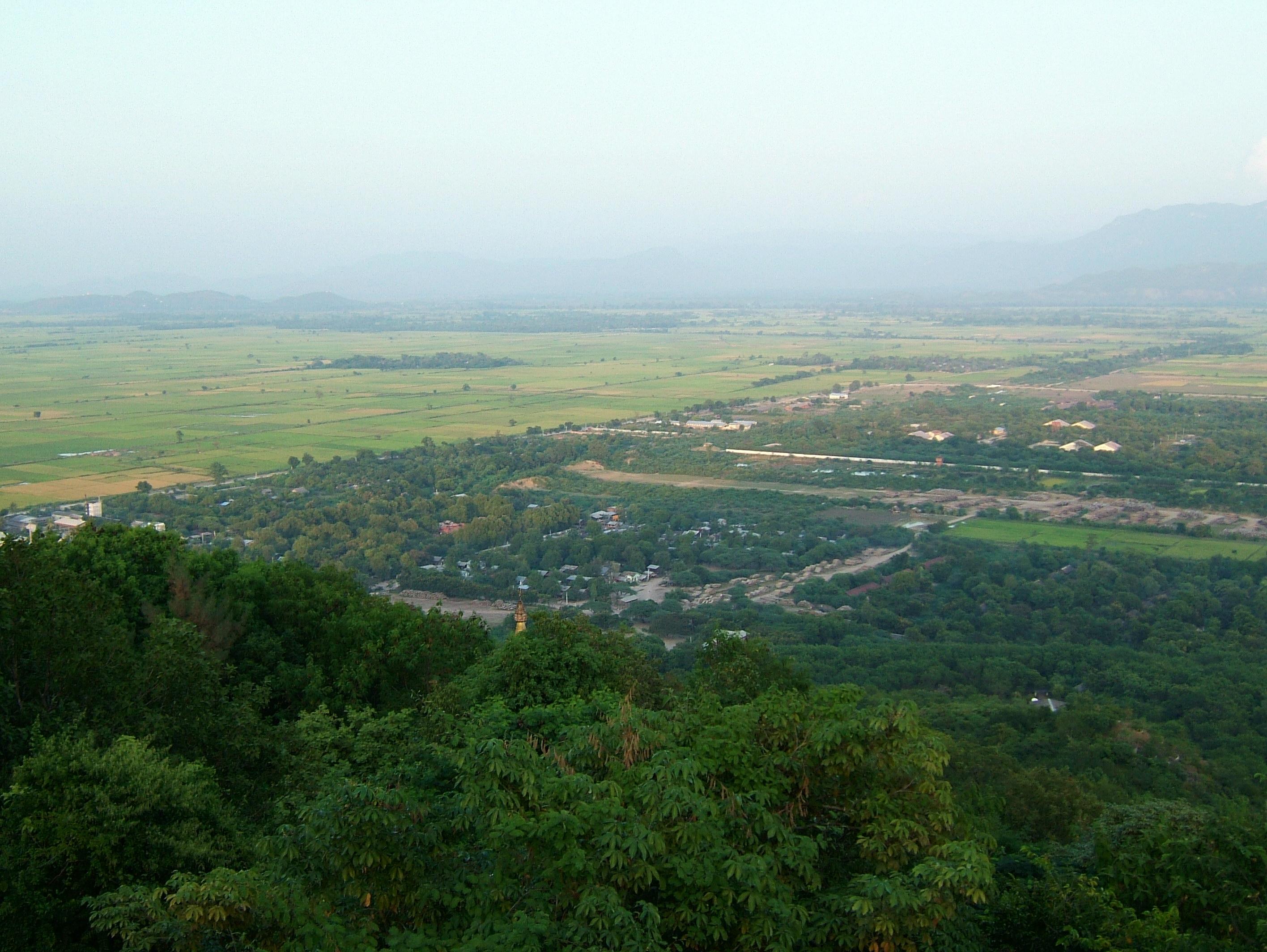 Mandalay Hill Sutaungpyei Pagoda panoramic views Dec 2000 28