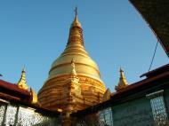 Asisbiz Mandalay Hill Sutaungpyei Pagoda stupa Nov 2004 04