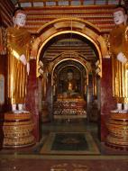 Asisbiz Thanboddhay paya main Buddhas Monywa Sagaing Myanmar Dec 2000 02